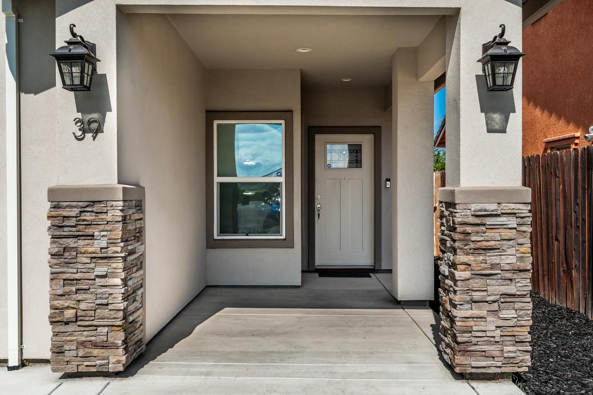 39 Butterwick Ct Sacramento CA-004-004-ASW01472-MLS_Size